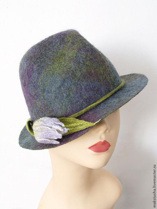 Шляпа федора валяная ручной работы из мериноса на весну, с цветком, декор - тюльпан