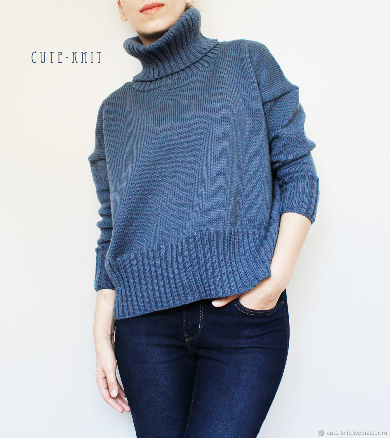 To better visualize the model, click on the photo CUTE-KNIT NAT Onipchenko Fair Masters to Buy women's cropped sweater blue