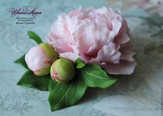 Брошь с розовым пионом из полимерной глины (холодного фарфора)