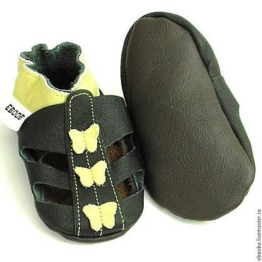Обувь ручной работы. Ярмарка Мастеров - ручная работа Кожаные тапочки чешки сандалики чёрные оливковые бабочки ebooba. Handmade.