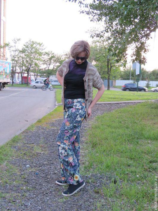 """Брюки, шорты ручной работы. Ярмарка Мастеров - ручная работа. Купить Брюки """"В цветах"""". Handmade. Комбинированный, джинсы, для девушки"""