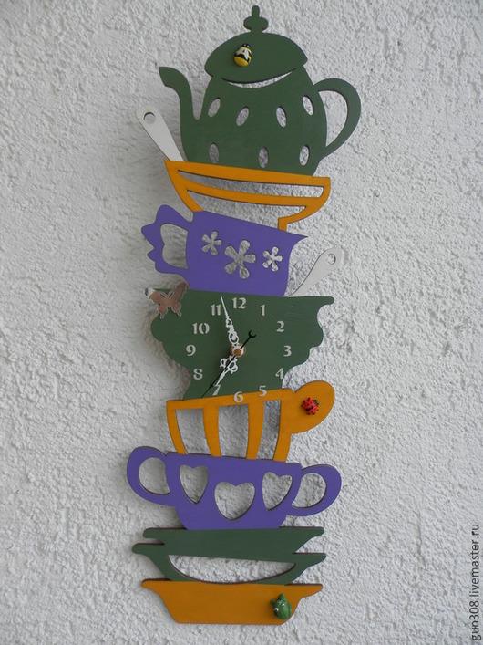 """Часы для дома ручной работы. Ярмарка Мастеров - ручная работа. Купить Часы кухонные """"Гора посуды - Весенние"""". Handmade. Зеленый"""