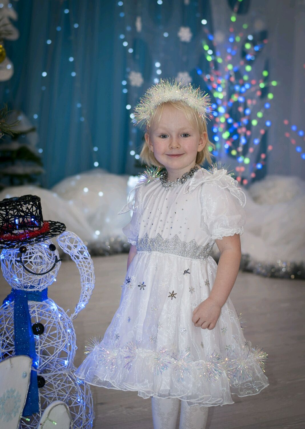,,Снежная Королева,,платье новогоднее для девочки 4-6 лет