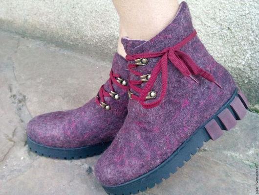 """Обувь ручной работы. Ярмарка Мастеров - ручная работа. Купить Эко ботиночки  из шерсти """"Баклажанчики"""". Handmade. Сиреневый, розовый"""