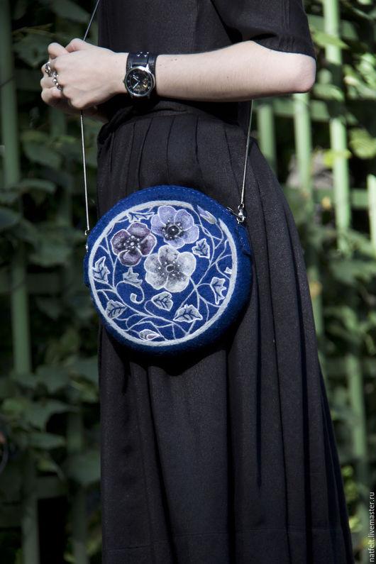 """Женские сумки ручной работы. Ярмарка Мастеров - ручная работа. Купить Валяная сумка """"Ночные цветы"""". Handmade. Тёмно-синий"""