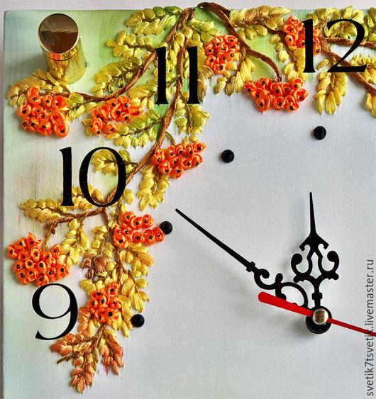 """Часы для дома ручной работы. Ярмарка Мастеров - ручная работа. Купить Часы настенные вышитые """"Рябинка"""". Handmade. Оранжевый"""