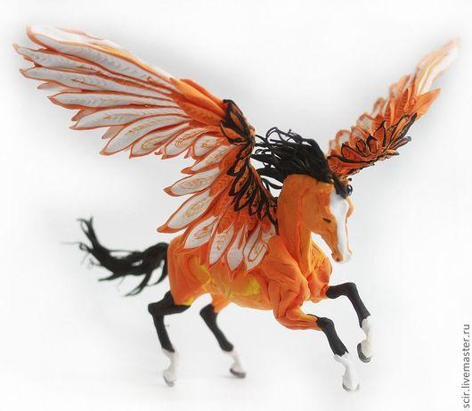 """Сказочные персонажи ручной работы. Ярмарка Мастеров - ручная работа. Купить фигурка """"Пегас осенней листвы"""" (рыжая лошадь игрушка). Handmade."""