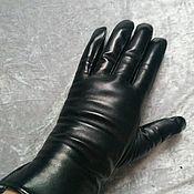 Перчатки ручной работы. Ярмарка Мастеров - ручная работа Перчатки из кожи лайка на мутоне черные.. Handmade.
