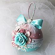 Подарки к праздникам ручной работы. Ярмарка Мастеров - ручная работа Елочный шар Зефирка-конфетка. Handmade.