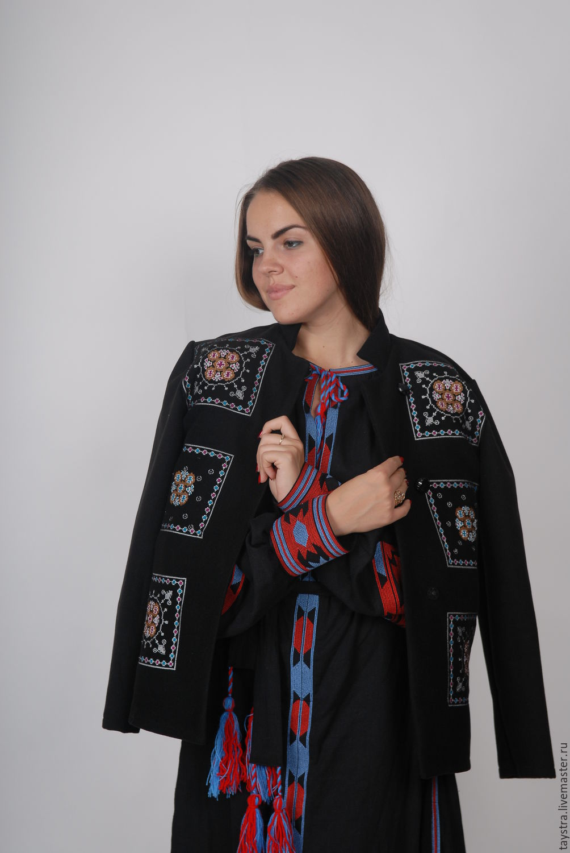 Женские пальто с вышивкой 89