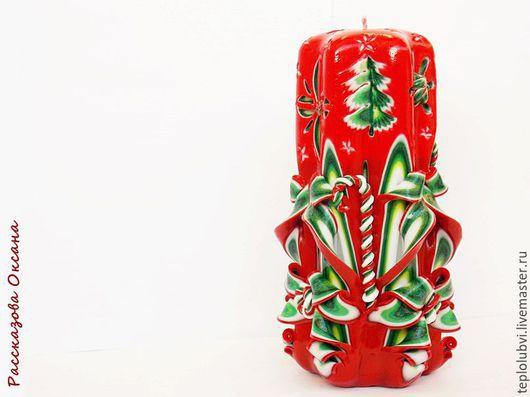 Новый год 2017 ручной работы. Ярмарка Мастеров - ручная работа. Купить Резная свеча - красный зеленый - подарок на новый год - Праздник. Handmade.