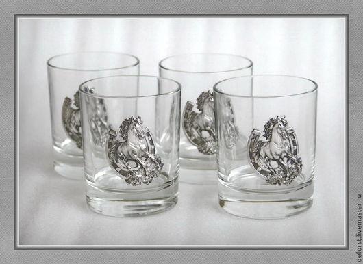 """Набор стаканов для виски 42435""""К удаче». Объём стакана 220мл. Барельеф - сплав олова. В упаковке «Престиж»."""