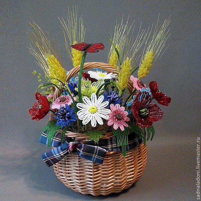 """Цветы из бисера в корзине """"35"""