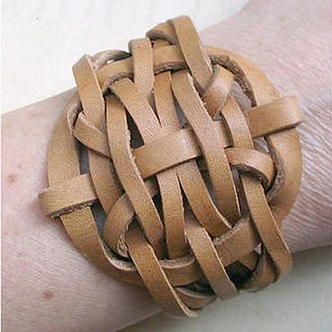Украшения ручной работы. Ярмарка Мастеров - ручная работа Кельтский плетеный браслет из кожи. Handmade.