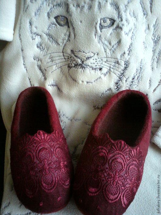 Обувь ручной работы. Ярмарка Мастеров - ручная работа. Купить тапочки валяные Французское бордо.. Handmade. Шерсть, бордо