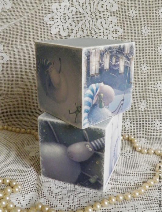 """Статуэтки ручной работы. Ярмарка Мастеров - ручная работа. Купить """"Рассел"""". Интерьерные кубики. Handmade. Голубой, новогодний сувенир"""