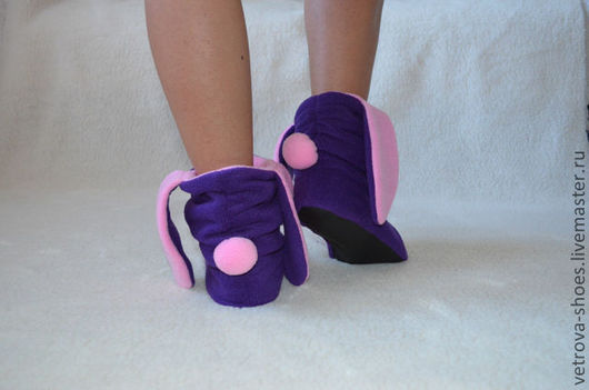 Не использую синтетические утеплители. Поэтому носить эту обувь очень комфортно, ножки в них совершенно не потеют.