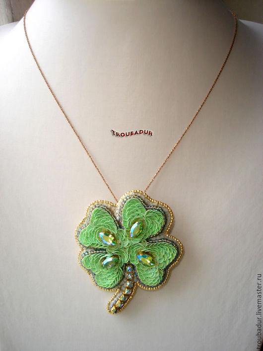 """Кулоны, подвески ручной работы. Ярмарка Мастеров - ручная работа. Купить """"Quatrefoil"""" - брошь-кулон. Handmade. Мятный, ирландия, зеленый"""