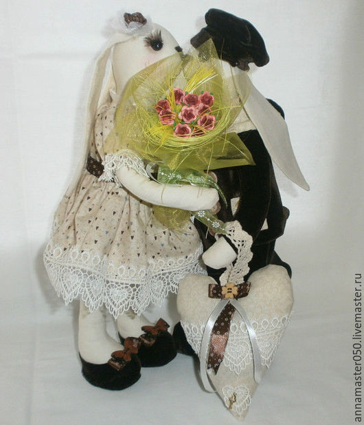 Куклы Тильды ручной работы. Ярмарка Мастеров - ручная работа. Купить влюбленные зайки. Handmade. Коричневый, Тильда Зайка