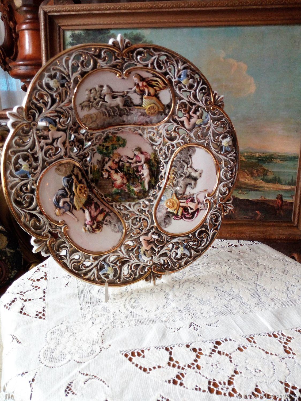 A huge dish of Capo di Monte. Italy, Vintage interior, Bari,  Фото №1