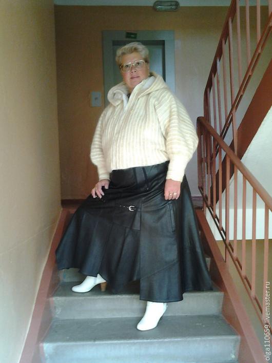 Верхняя одежда ручной работы. Ярмарка Мастеров - ручная работа. Купить Комплект  кофта  из собачей шерсти + юбка кожа. Handmade.