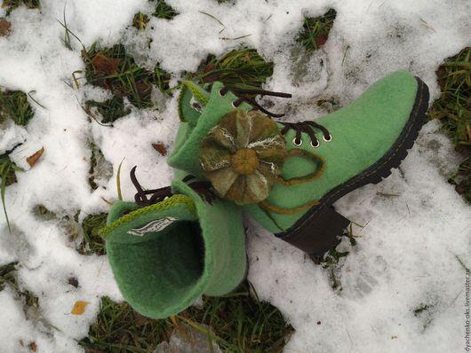 Обувь ручной работы. Ярмарка Мастеров - ручная работа. Купить Валяные Ботинки укороченные, на шнуровке. Handmade. Ботинки женские