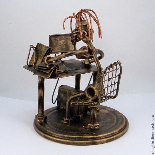 Миниатюрные модели ручной работы. Ярмарка Мастеров - ручная работа. Купить Офисная работница. Handmade. Скульптурная миниатюра, металл, гвозди