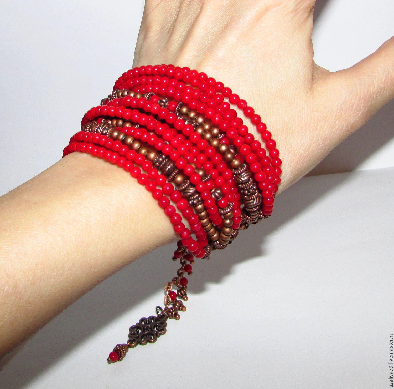 Индийские красные браслеты