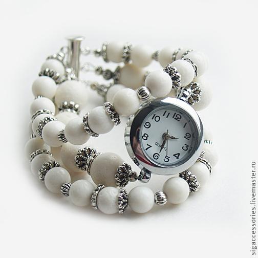 """Часы ручной работы. Ярмарка Мастеров - ручная работа. Купить """"Шарики белого пломбира"""" - часы-браслет. Handmade. Белый"""