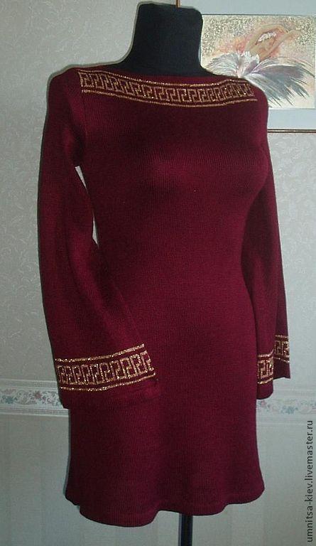 """Авторское вязаное платье """"Нефертити"""" связано на машинке.\r\nПлатье связаное из шерсти.\r\nЭффектное платье.\r\nЭто элегантное вязаное платье.\r\nПлатье приталенное.\r\nПлатье с расширенным р"""