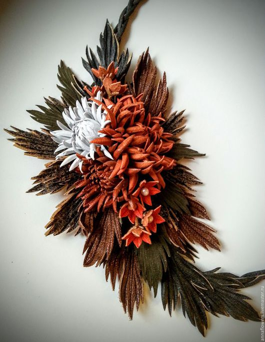 """Колье, бусы ручной работы. Ярмарка Мастеров - ручная работа. Купить Колье из кожи """" Осенние хризантемы """". Handmade."""