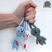 Куклы и игрушки ручной работы. Ярмарка Мастеров - ручная работа Морковная банда! Зайцы вязаные, кучкой. Handmade.