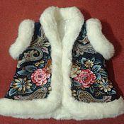 Одежда ручной работы. Ярмарка Мастеров - ручная работа Жилет из павловопосадского платка, для малышки. Handmade.