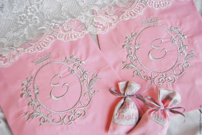 Текстиль, ковры ручной работы. Ярмарка Мастеров - ручная работа. Купить Вышивка инициалов на постельном белье №1. Handmade. Ретро