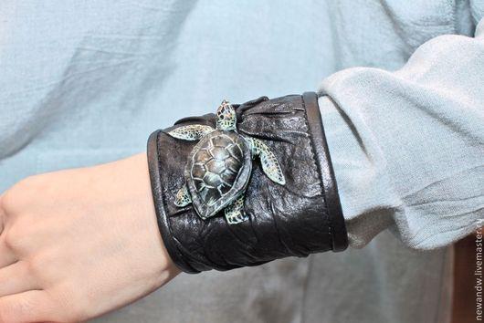 """Браслеты ручной работы. Ярмарка Мастеров - ручная работа. Купить 3D Браслет из натуральной кожи """"Черепашка"""". Handmade. 3d, черепаха"""