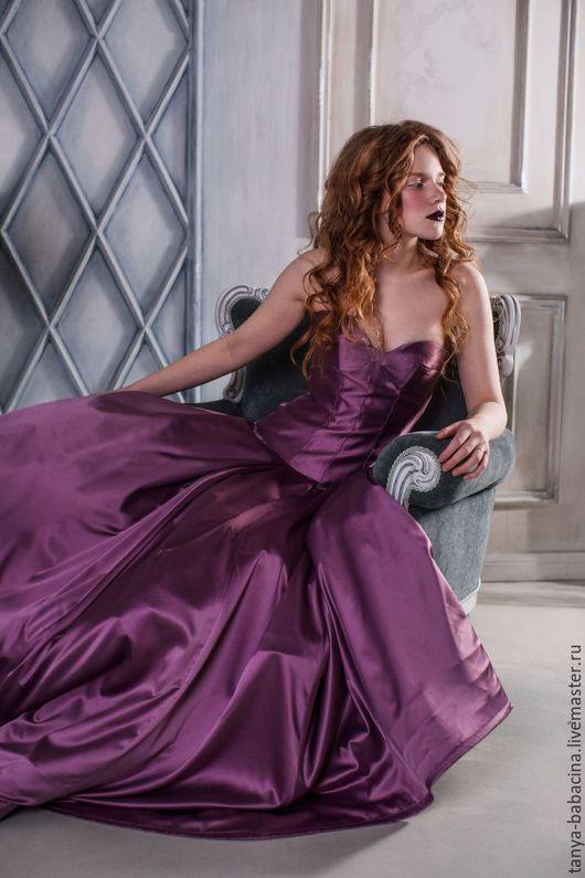 Платья ручной работы. Ярмарка Мастеров - ручная работа. Купить Платье вечернее из атласа Пиковая дама. Handmade. Сиреневый
