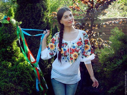 """Блузки ручной работы. Ярмарка Мастеров - ручная работа. Купить Вышитая женская блуза вышиванка """"Маки и подсолнухи"""". Handmade."""