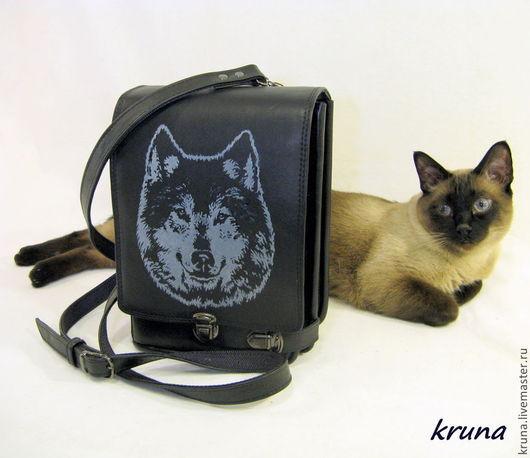 Мужские сумки ручной работы. Ярмарка Мастеров - ручная работа. Купить Мужская сумка-планшет из натуральной кожи Волк. Handmade.