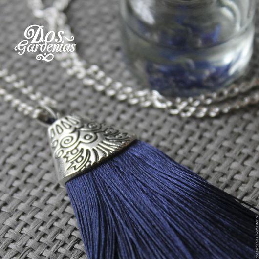 Кулоны, подвески ручной работы. Ярмарка Мастеров - ручная работа. Купить Pavo real. Handmade. Тёмно-синий, синий кулон