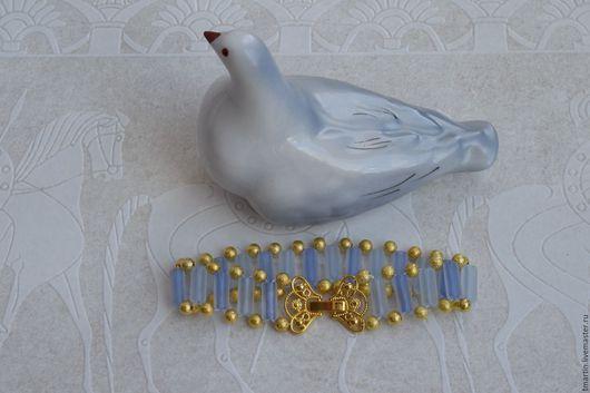 Браслеты ручной работы. Ярмарка Мастеров - ручная работа. Купить Нежно-голубой нарядный браслет с ажурным замочком. Handmade. Вечерний