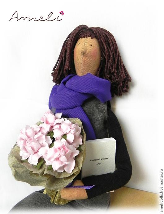 """Куклы Тильды ручной работы. Ярмарка Мастеров - ручная работа. Купить """"Любимая учительница"""" - портретная кукла. Handmade. Тёмно-фиолетовый"""