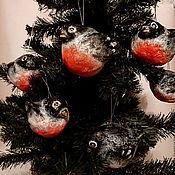 Подарки к праздникам ручной работы. Ярмарка Мастеров - ручная работа Снегири. Елочные игрушки из папье-маше. Handmade.