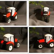 Сувениры и подарки ручной работы. Ярмарка Мастеров - ручная работа Вязаный трактор. Handmade.