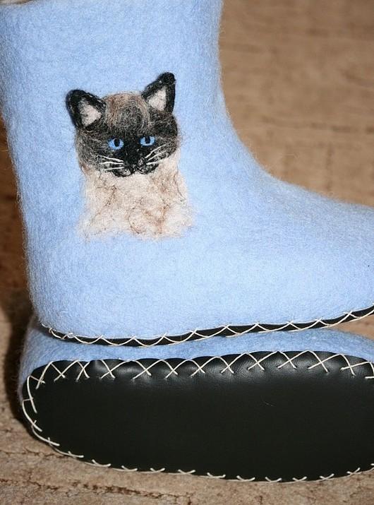 """Обувь ручной работы. Ярмарка Мастеров - ручная работа. Купить Домашние тапочки """"Сиамский кот"""". Handmade. Кот, домашние тапочки"""
