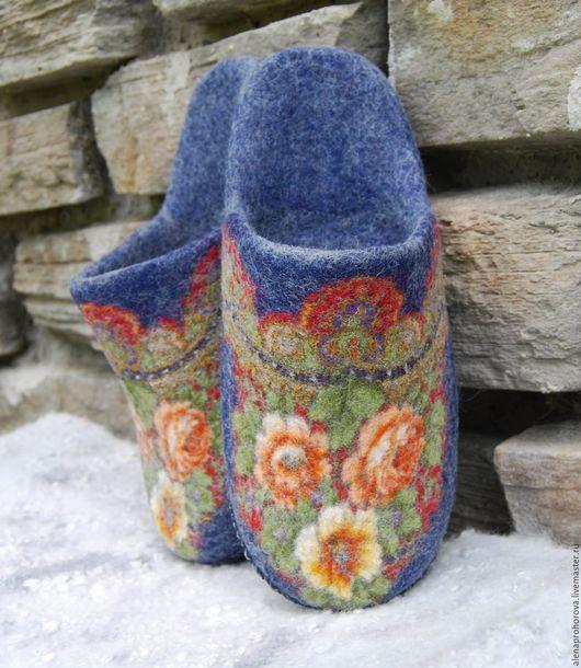 """Обувь ручной работы. Ярмарка Мастеров - ручная работа. Купить Тапочки валяные """"Королевский синий"""". Handmade. Тапочки, тапки"""
