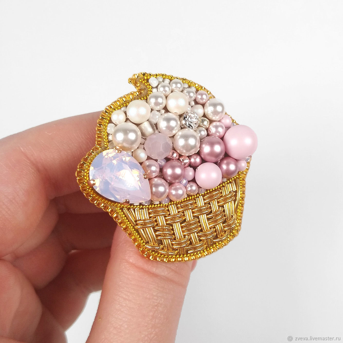 Brooch of beads Cupcake cake pink, brooch sweetness, Brooches, Smolensk,  Фото №1