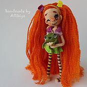 Куклы и игрушки ручной работы. Ярмарка Мастеров - ручная работа Вязаная кукла Лохудретта и её шерстяной друг Мартин. Handmade.