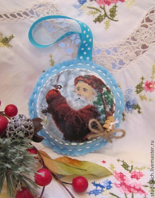 Новогоднее украшение ` В гостях у Дедушки`. Ручная работа. Студия ` Кич `.