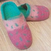 Обувь ручной работы. Ярмарка Мастеров - ручная работа Валяные тапки-шлёпки Зелёные крапинки. Handmade.