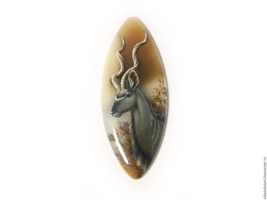 Роспись по камню ручной работы. Ярмарка Мастеров - ручная работа. Купить Козерог на моховом агате. Handmade. Бежевый, знак зодиака